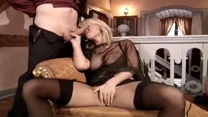 Vivian Schmitt als deutsche Prostituierte
